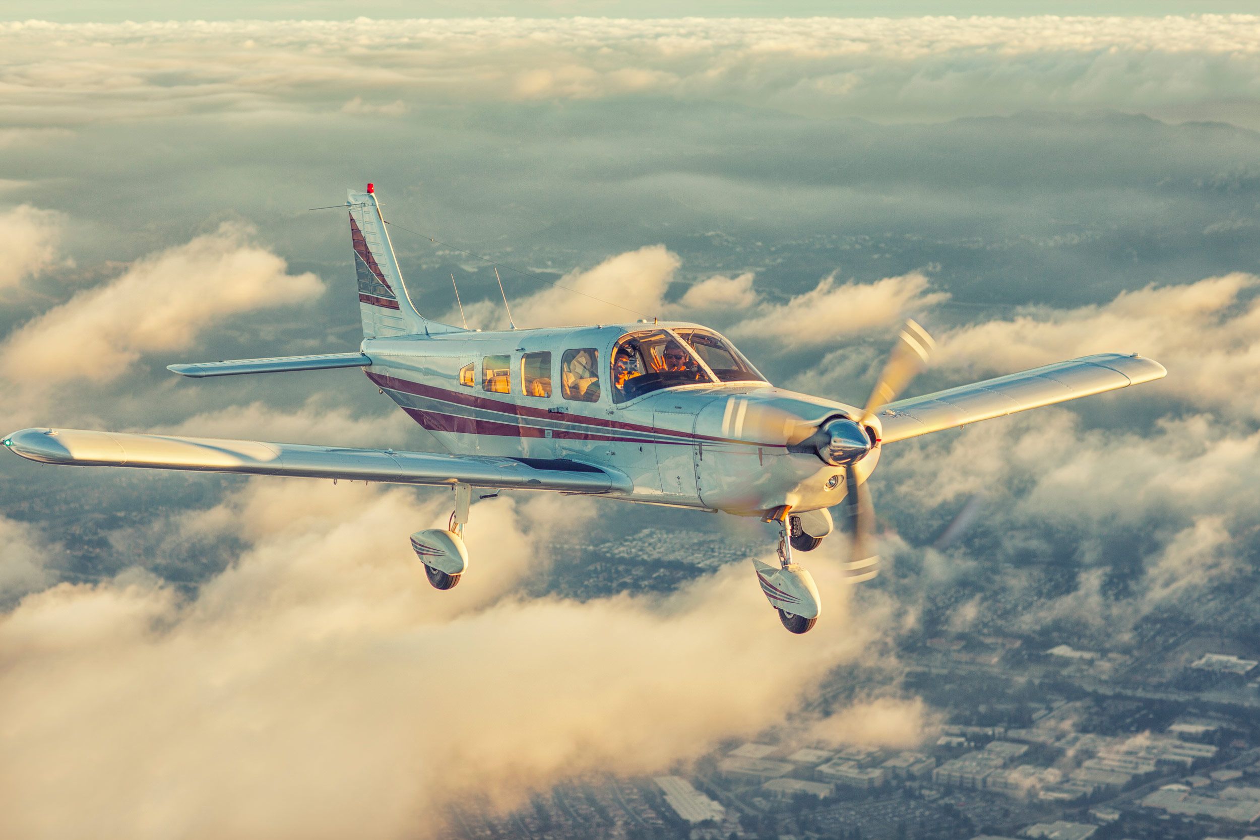 Piper Cherokee 6, air-to-air photography