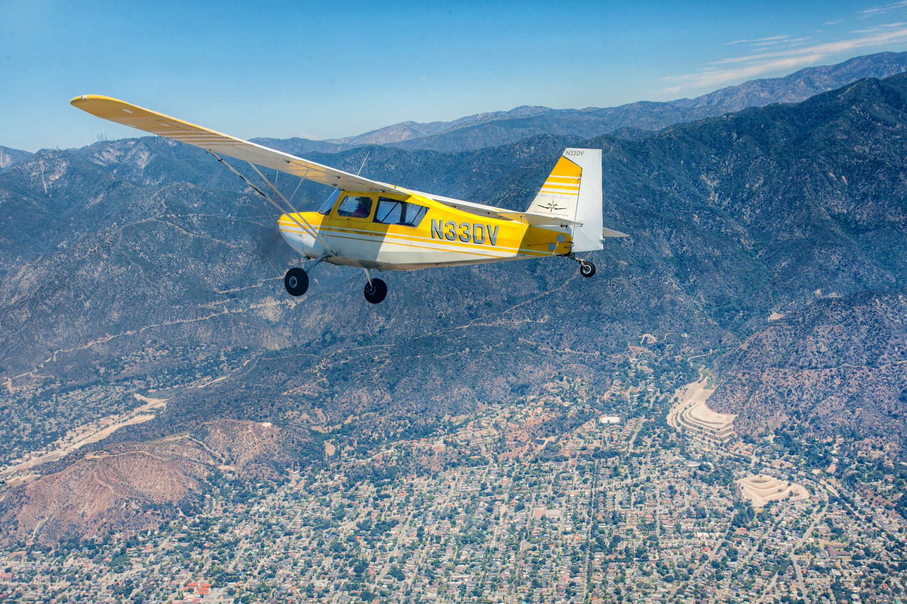 Cessna single-engine aircraft, air-to-air photography